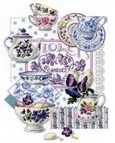 le mie piccole croci: Crockery and violets / Vaiselle et violettes