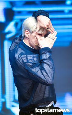 [HD포토] 유키스(U-KISS) 훈 마음의 평화가 찾아오는 훈훈함 #topstarnews