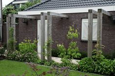 A series of pergola frames could span across the side return? Modern Pergola, Modern Patio, Side Garden, Terrace Garden, Scandinavian Garden, Yard Design, Pergola Designs, Garden Structures, Dream Garden