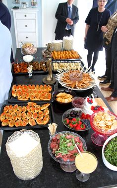 a large number of hand crafted, classic, and diverse products and gifts associated with your desired look. Housewarming Party Themes, Party Food Platters, Christmas Appetizers, Party Snacks, Party Games, Appetizer Recipes, House Warming, Backyard Parties, Bachelorette Parties
