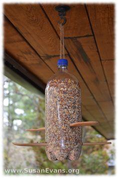 How to Make a Pop Bottle Bird Feeder - http://susanevans.org/blog/how-to-make-a-pop-bottle-bird-feeder/