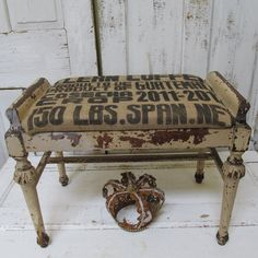 Old shabby bench chippy painted stool with burlap covered pad recycled French farmhouse home decor anita spero Shabby Chic Farmhouse, Shabby Chic Decor, Rustic Decor, Farmhouse Decor, French Farmhouse, Painted Stools, Vintage Bathroom Decor, Baby Barn, Home Decor Items