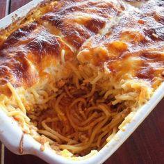 Pastitsio (Görög makaróni sajtszósszal) Recept képpel - Mindmegette.hu - Receptek Pasta Recipes, Cooking Recipes, Salad Cake, Lasagna, Macaroni And Cheese, Food Porn, Food And Drink, Spagetti, Meat