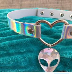Holographic+Choker+heart+shaped+button+necklace+with+alien+charm