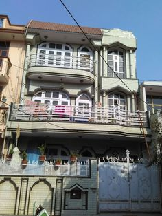Broker Free Apartment in Noida 2 bhk apartment in Sector 41 Call or Watsapp At : +91-70787-70787 Visit: www.rentmantra.com  #rentmantra #nobroker #withoutbroker