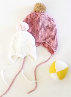 Pink knitted bonnet - Kotipalapeli - Via Pinjacolada Knitting For Kids, Easy Knitting, Knitting Projects, Crochet Baby, Knit Crochet, Knitting Patterns, Baby Bonnets, Baby Hats, Baby Outfits