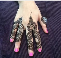 Henna. Uae  ❤❤♥For More You Can Follow On Insta @love_ushi OR Pinterest @ANAM SIDDIQUI ♥❤❤