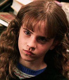 Harry potter and the chamber of secrets 🐍 Hermione Granger, Harry Potter Hermione, Harry Potter Anime, Harry Potter Fandom, Harry Potter Characters, Harry Potter World, Hermione Gif, Harry James Potter, Mundo Harry Potter