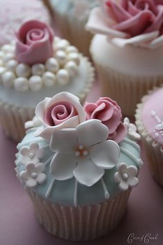 beautiful cupcakes .. just begging for bone china, sparkling crystal and heirloom silver ~