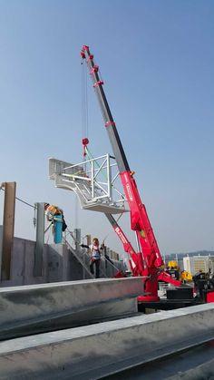 UNIC mini-crawler crane Crane Construction, Crawler Crane, Golden Gate Bridge, Spider, Mini, Travel, Spiders, Viajes, Destinations