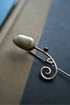 Sterling Silver Stick Pin Brooch with Freshwater Pearl