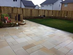 Mint Smooth Sawn & Honed Mixed Size Patio Packs - inc VAT & FREE Nationwide Delivery - Cheshire Sandstone Patio Design, Garden Design, Stone Garden Paths, Garden Paving, Paver Designs, Sandstone Paving, Paver Walkway, Driveway Paving, Budget Patio