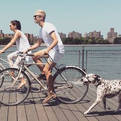 Summer style at it's finest. #LinusBike #LinusMixte #LinusRoadster8  Find a Mixte or Roadster near you: