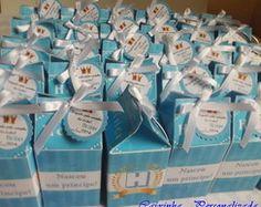 Lembrancinha para Chá de Bebê ou Maternidade: álcool gel + sabonete líquido na caixinha personalizada.