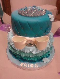 My 17th birrhday cake! Perfect for a teen girls birthday. Maybe even a sweet sixteen cake. #cake #blue #princess