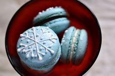 10 Amazing Holiday Macaron Recipes