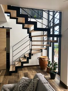 U Stairs Design, Railing Design, House Stairs, Facade House, Interior Stairs, Home Interior Design, Pole Barn House Plans, Pole Barn Homes, Kitchen Under Stairs