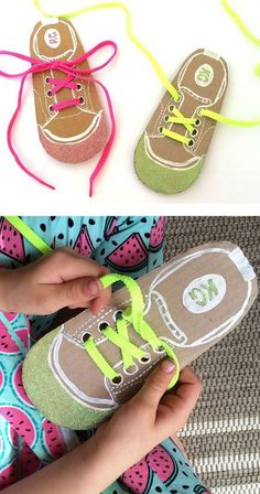 Help kids learn to tie their shoe laces by making your own DIY shoe lacing cards(Pour Enfant) Montessori Activities, Motor Activities, Preschool Activities, Montessori Materials, Cutting Activities, Montessori Toddler, Toddler Learning, Preschool Learning, Early Learning