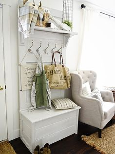 DIY Ideas for Your Entry - DIY Door Hall Tree - Cool and Creative Home Decor or Entryway and Hall. Modern, Rustic and Classic Decor on a Budget. Impress House Guests and Fall in Love With These DIY Furniture and Wall Art Ideas Rustic Entryway, Entryway Decor, Entryway Bench, Entryway Storage, Shoe Storage, Apartment Entryway, Door Entryway, Shoe Racks, Entry Doors