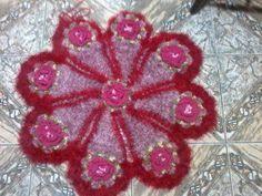 tapetes de croche diversos tipos e tamanhos.