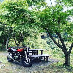 【dehiron】さんのInstagramをピンしています。 《奥多摩って来た。街中でも自然の中でも映えるゼファー、流石だなぁ(親バカ #バイク #motorcycle #Kawasaki #ゼファー #休日 #奥多摩 #自然 #森林 #緑 #マイナスイオン #ワインディング #楽しい #秋》