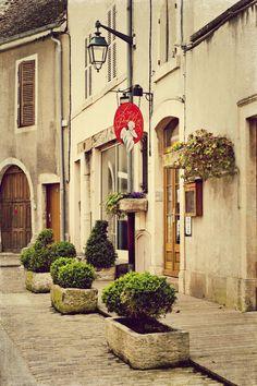 Le P'tit Paradis, Beaune France Storefront