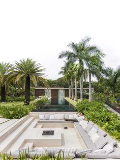 Backyard Pool Designs, Modern Backyard, Backyard Patio, Backyard Landscaping, Outdoor Fire, Outdoor Living, Sunken Fire Pits, Patio Grande, Pool Houses