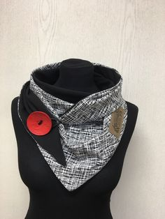 Diy Scarf, Scarf Wrap, Winter Hoodies, Couture Sewing, Red Button, Ruffle Collar, Black White Red, Neck Scarves, Diy Clothing
