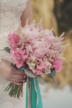 Something Old and Something Blue Wedding Inspiration | bellethemagazine.com