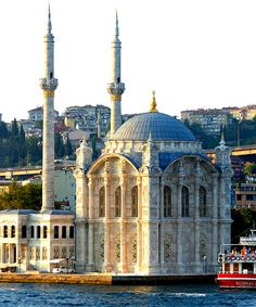Ortakoy Mosque is situated right on the waterfront at the Ortakoy pier square. It was build around the same time as the Dolmabahçe Palace and the Dolmabahçe Mosque around the mid Wonderful Places, Beautiful Places, Turkish Architecture, Islamic Art, Taj Mahal, Explore, World, Building, Istanbul Turkey