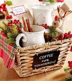 Gift basket with coffee and mugs from Pier 1 Geschenkkorb mit Kaffee und Tassen von Pier 1 Diy Christmas Baskets, Homemade Christmas Gifts, Christmas Gifts For Mom, Homemade Gifts, Diy Gifts, Christmas Diy, Fall Gifts, Homemade Gift Baskets, Xmas