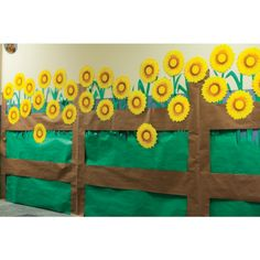Along Academy Halls Barnyard Roundup Sunflower Decor (Pack of - VBS 2016 Barn Wood Crafts, Farm Crafts, Vbs Crafts, Preschool Crafts, Crafts For Kids, School Decorations, Barnyard Vbs Decorations, Hallway Decorations, Wild West Party