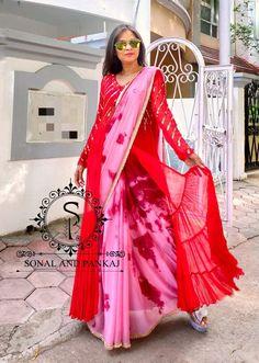 Shibori Sarees, Saree Wearing Styles, Saree Models, Ethnic Outfits, Chiffon Saree, Designer Sarees, Dress Styles, Blouse Designs, Color Combinations