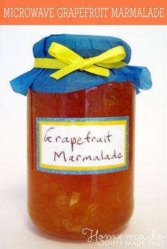 A quick and delicious grapefruit marmalade recipe. Looking for an easy homemade jam recipe? Want to make homemade food gifts or homemade gifts in a jar? This is a great one to start with. Grapefruit Recipes, Citrus Recipes, Drink Recipes, Jelly Recipes, Secret Santa, Grapefruit Marmalade, Grapefruit Tree, Homemade Food Gifts, Homemade Jam Recipes