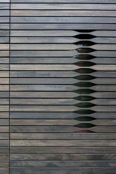 Claraboya door. Puerta con celosía. Discreto.  #IsmaelArce #ArchDesigner…