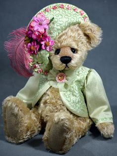 Anna Lee - created from German Schulte Mohair. www.vickylougher.com #artistbear…
