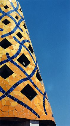 Gaudi mosaic chimney, originally uploaded by victoriapeckham. A mosaic chimney pot on the roof of Palau Guell, Barcelona Tile Art, Mosaic Art, Mosaic Glass, Mosaic Tiles, Stained Glass, Art And Architecture, Architecture Details, Gaudi Mosaic, Antonio Gaudi
