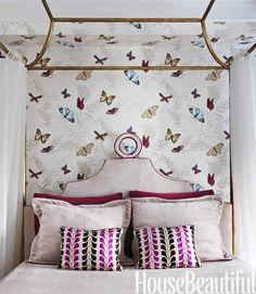 VINTAGE & CHIC: decoración vintage para tu casa · vintage home decor: Un piso en tonos pastel [] A pastel color palette     http://entelados.es/product/papel-mariposas-farfalla-nina-campbell/
