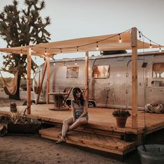 The Perfect Desert Getaway: Joshua Tree Acres Airstream Living, Airstream Remodel, Airstream Renovation, Trailer Remodel, Retro Trailers, Airstream Trailers, Camper Life, Rv Life, Porch Addition