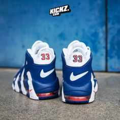 """102 Beğenme, 2 Yorum - Instagram'da BASKETBALL, SNEAKERS, APPAREL (@kickz93): """"🏀EWING🏀 The Nike Air More Uptempo 'Knicks' is available now on KICKZ.com! #nike #air #more…"""""""