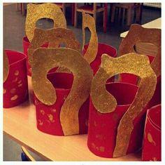Ipv staf ook doen met letter S van sint of p van piet Catholic Crafts, Theme Noel, Saint Nicholas, Creative Kids, Toddler Crafts, Kids Christmas, Saints, Images, Kandinsky