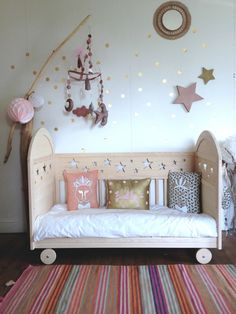 kid decor beds and garlands on pinterest. Black Bedroom Furniture Sets. Home Design Ideas
