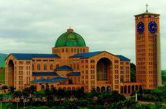 A basílica de Aparecida é o segundo maior Santuário Católico do mundo.