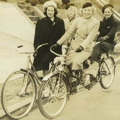 Vintage Wednesdays: Ladies about town | Cyclechic
