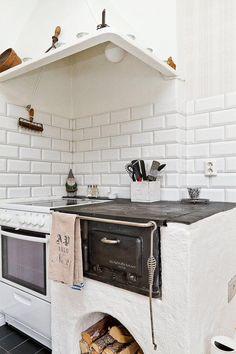 Spis Kitchen Pantry, Kitchen Dining, Kitchen Island, Kitchen Cabinets, Kitchen Ideas, Dining Room, Range Cooker, Pantry Design, Bath And Beyond