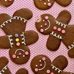 The perfect spicy gingerbread cookie dough shaped into sweet & super-jumbo gingerbread folk. No cookie cutter required!