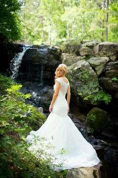 The unique wedding venues at Garvan Gardens provide space for gorgeous outdoor weddings or lovely chapel ceremonies. Book your dream venue today! Unique Wedding Venues, Outdoor Wedding Venues, Unique Weddings, Wedding Ideas, Garden Weddings, Hot Springs, Wedding Portraits, Spring Wedding, Getting Married
