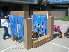Amazing bike Car Wash ~ How fun is that. Use cheap plastic table cloths for the streamers ~ brilliant Amazing bike Car Wash ~ How fun is that. Use cheap plastic table cloths for the streamers ~ brilliant Role Play Areas, Transportation Theme, Preschool Transportation, Outdoor Learning, Outdoor Play, Eyfs Outdoor Area, Outdoor Games, Outdoor Classroom, Play Centre
