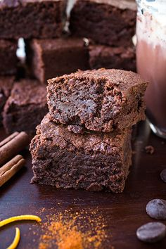 Mexican Hot Chocolate Brownies | thecozyapron.com