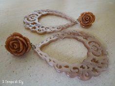 Orecchini rose in resina